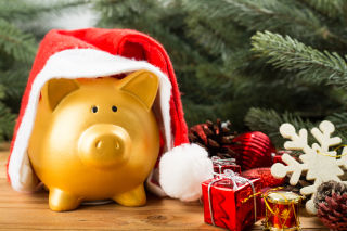 Holiday shoppers urged to understand their relationship with money